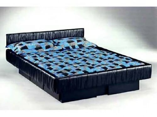 couvre matelas pour lit d 39 eau. Black Bedroom Furniture Sets. Home Design Ideas